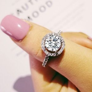 Jewelry - - SALE 🔥 NWT Ring in silver 925 & zircon